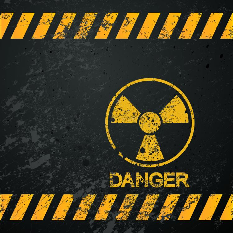 Nuclear warning signs 04 vector Free Vector / 4Vector